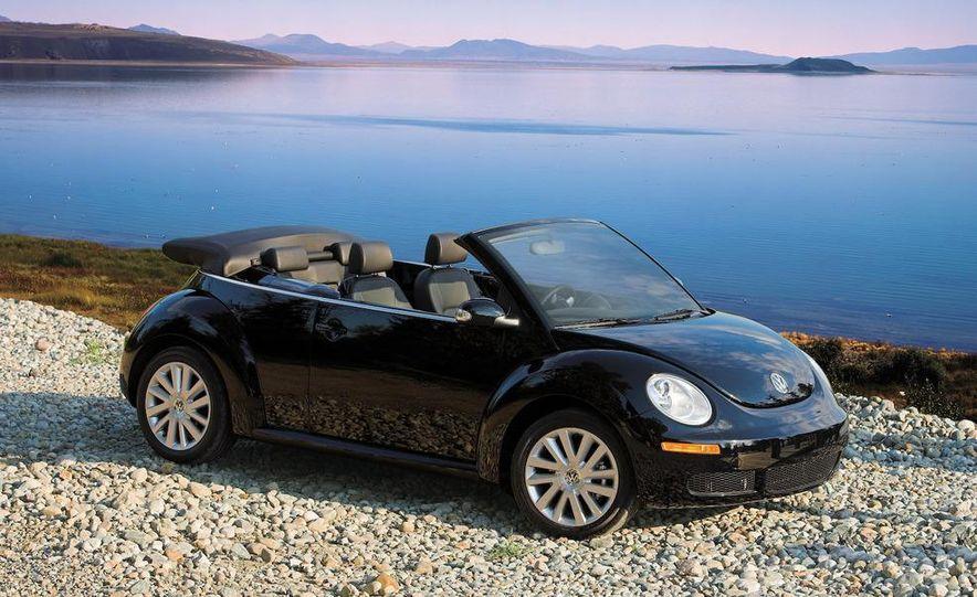 2010 Volkswagen New Beetle Final Edition coupe - Slide 52