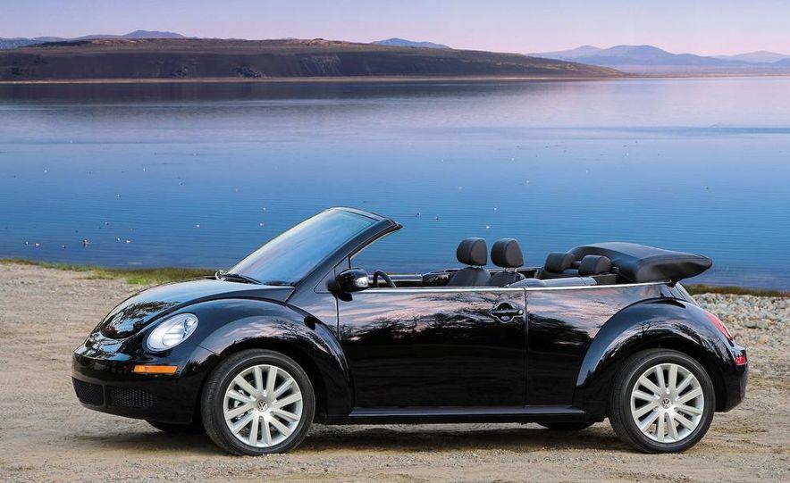 2010 Volkswagen New Beetle Final Edition coupe - Slide 53