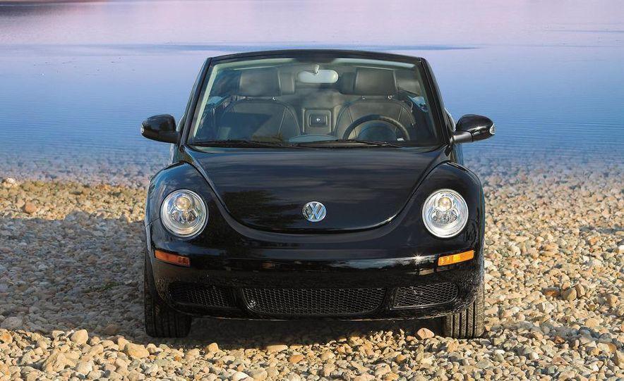 2010 Volkswagen New Beetle Final Edition coupe - Slide 54