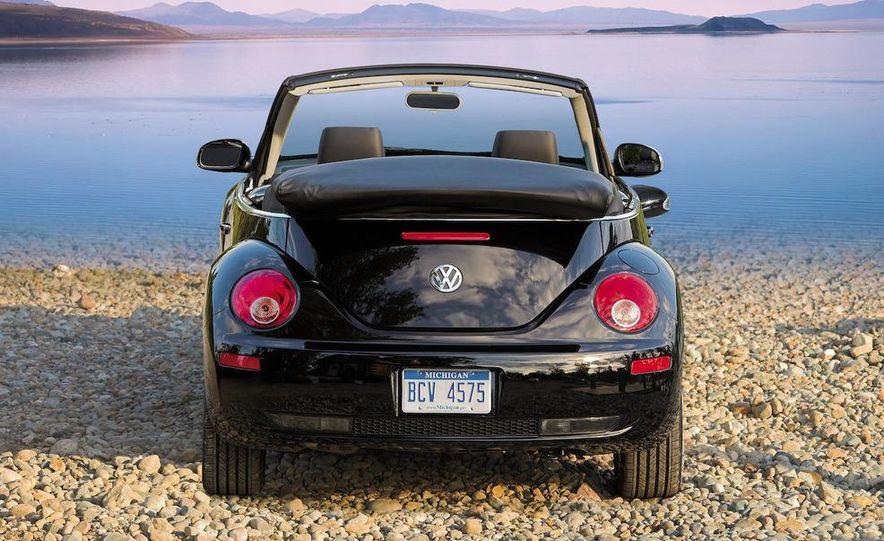 2010 Volkswagen New Beetle Final Edition coupe - Slide 55