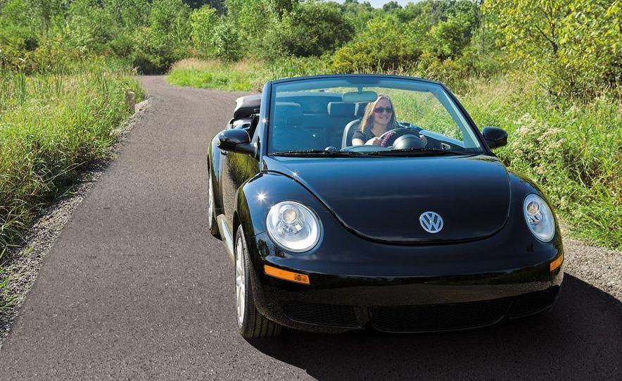 2010 Volkswagen New Beetle Final Edition coupe - Slide 56