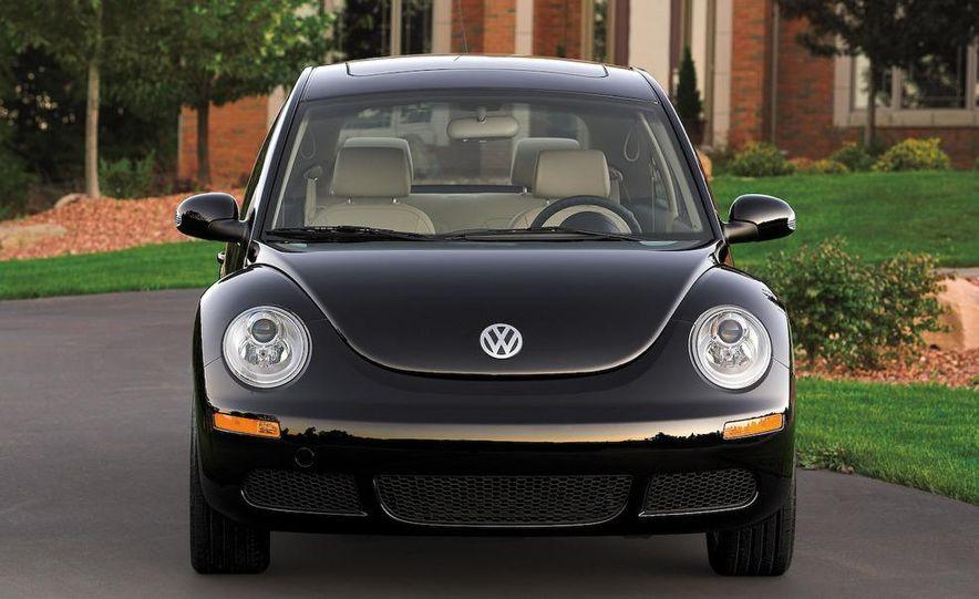 2010 Volkswagen New Beetle Final Edition coupe - Slide 47