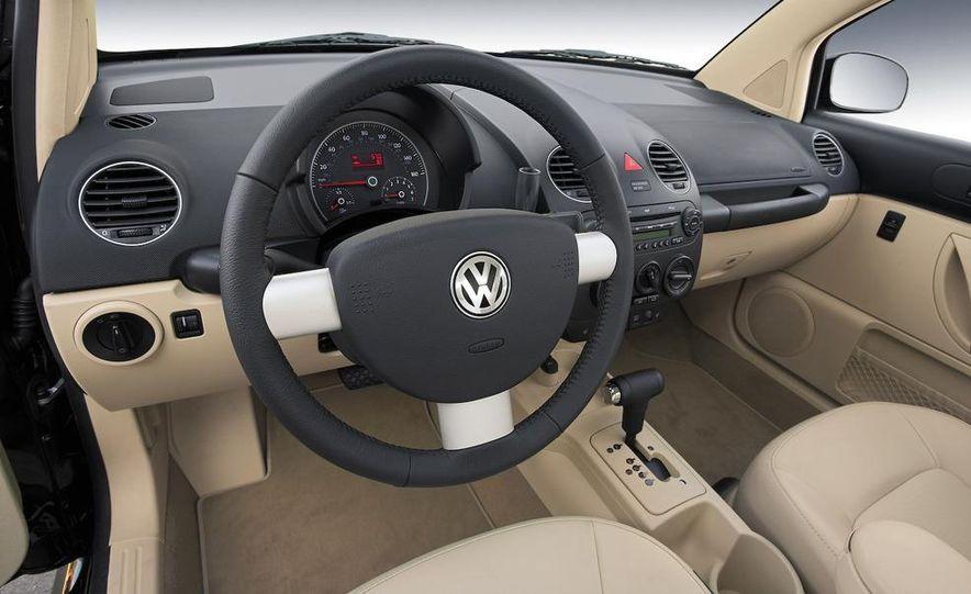 2010 Volkswagen New Beetle Final Edition coupe - Slide 50