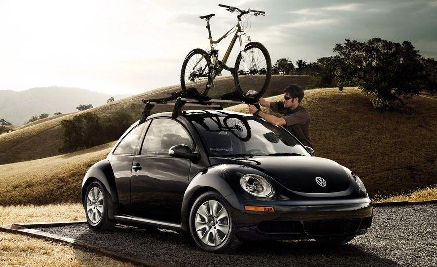 2010 Volkswagen New Beetle Final Edition coupe - Slide 7
