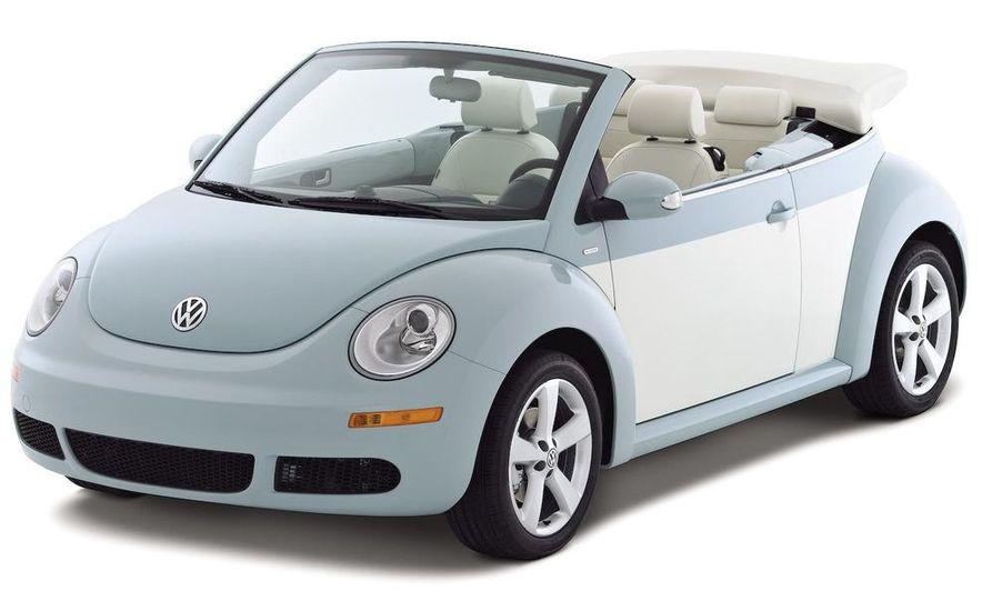 2010 Volkswagen New Beetle Final Edition coupe - Slide 2