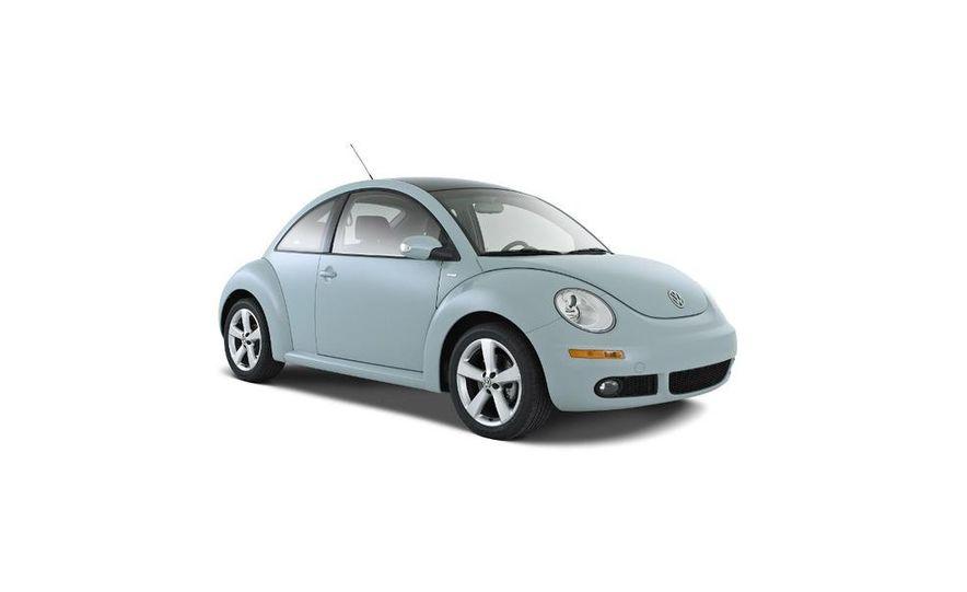 2010 Volkswagen New Beetle Final Edition coupe - Slide 1
