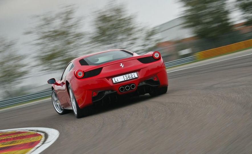 2010 Ferrari 458 Italia - Slide 15