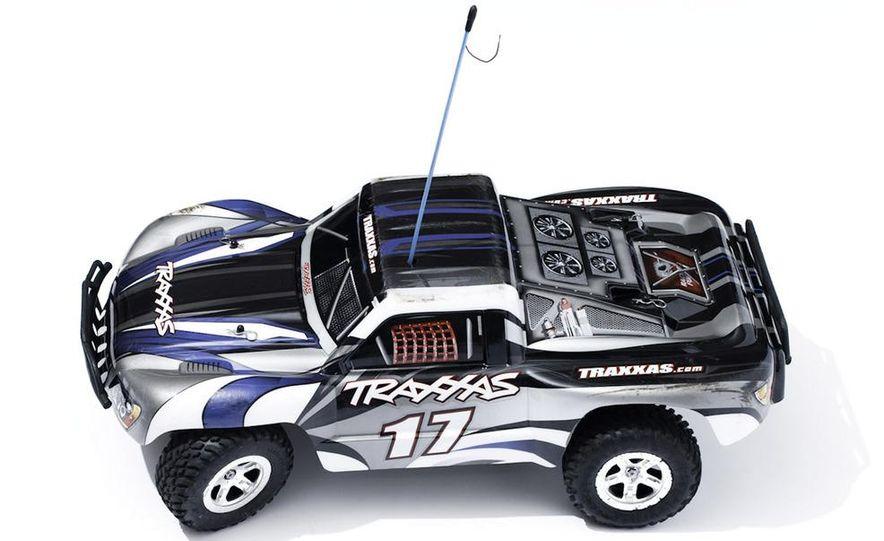 HPI-Racing Nitro RS4 3 Drift Toyota Soarer, Tamiya XB NISMO GT-R R35 TT-01E, Traxxas Slash 2WD Short-Course Race Truck, and HPI-Racing Sprint 2 Sport Drift Trueno - Slide 30