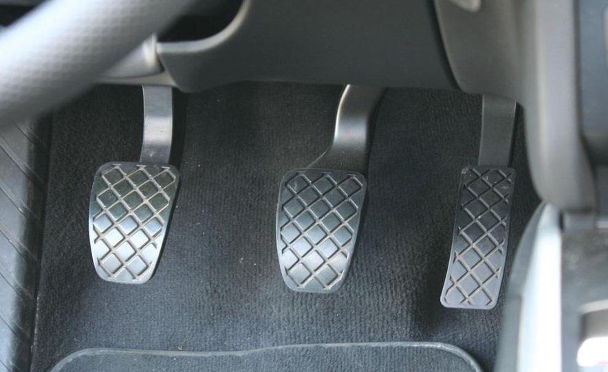 2009 Audi A4 2.0T Quattro sedan - Slide 19