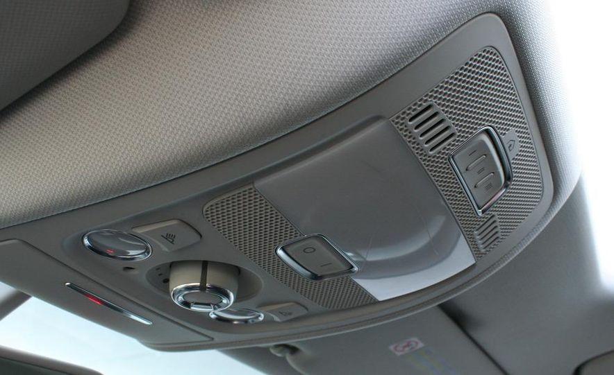 2009 Audi A4 2.0T Quattro sedan - Slide 18