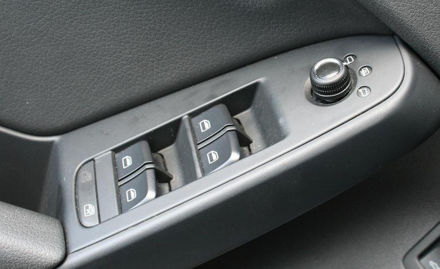 2009 Audi A4 2.0T Quattro sedan - Slide 17