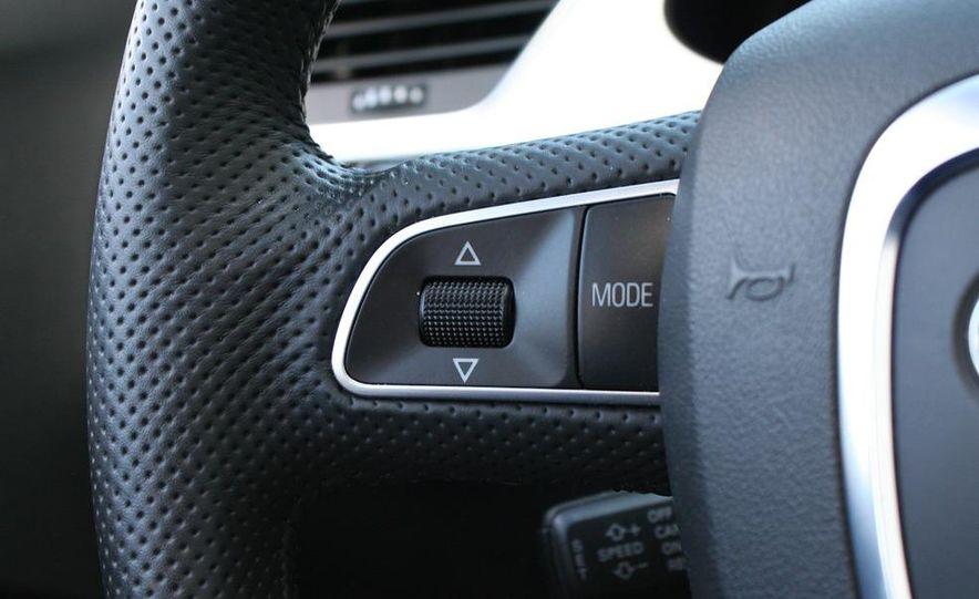 2009 Audi A4 2.0T Quattro sedan - Slide 15