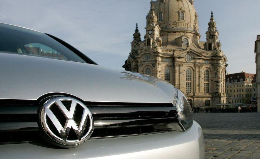 2010 Volkswagen Golf TDI 3-door - Slide 22