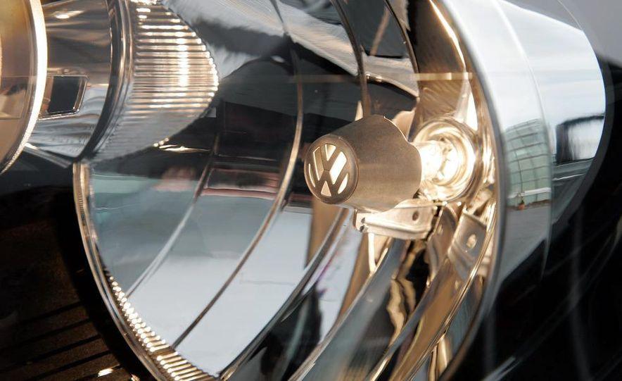 2010 Volkswagen Golf TDI 3-door - Slide 36