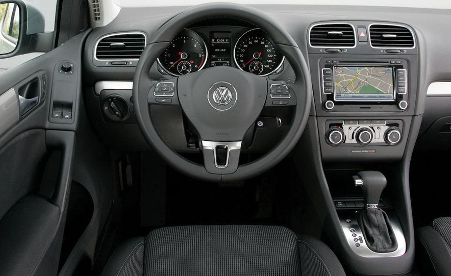 2010 Volkswagen Golf TDI 3-door - Slide 30