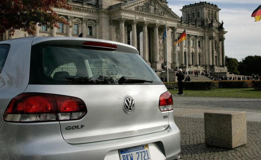 2010 Volkswagen Golf TDI 3-door - Slide 27