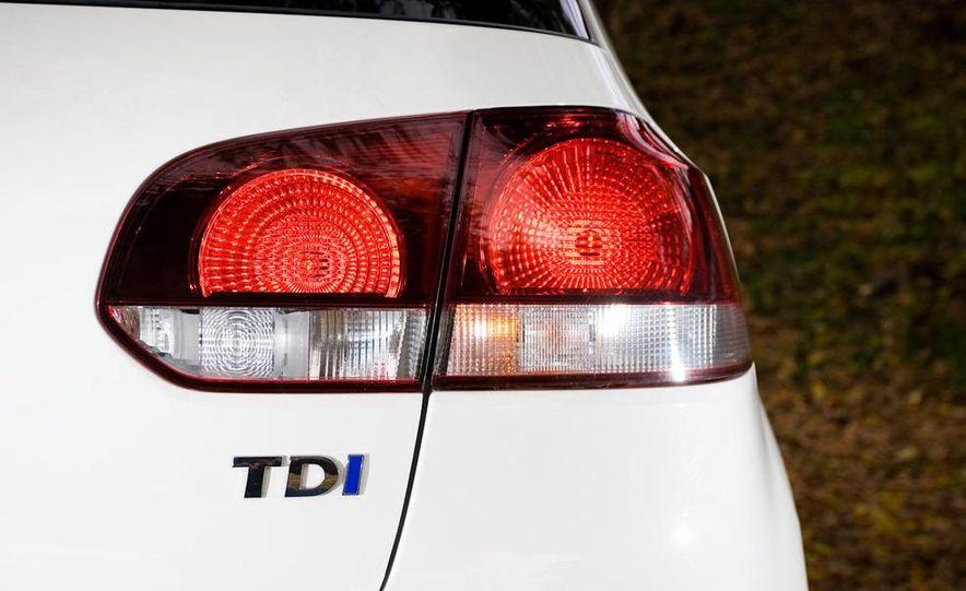 2010 Volkswagen Golf TDI 3-door - Slide 41