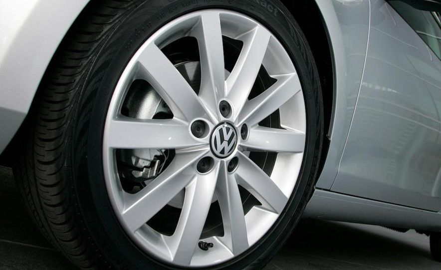 2010 Volkswagen Golf TDI 3-door - Slide 39