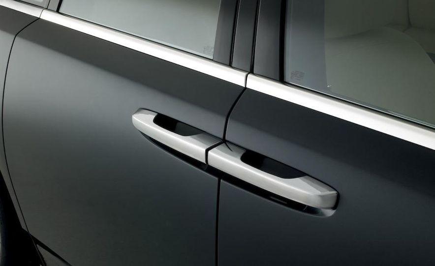 2011 Rolls-Royce Ghost - Slide 16
