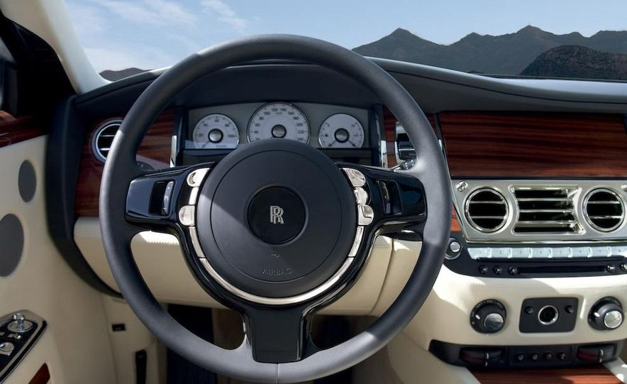 2011 Rolls-Royce Ghost - Slide 23