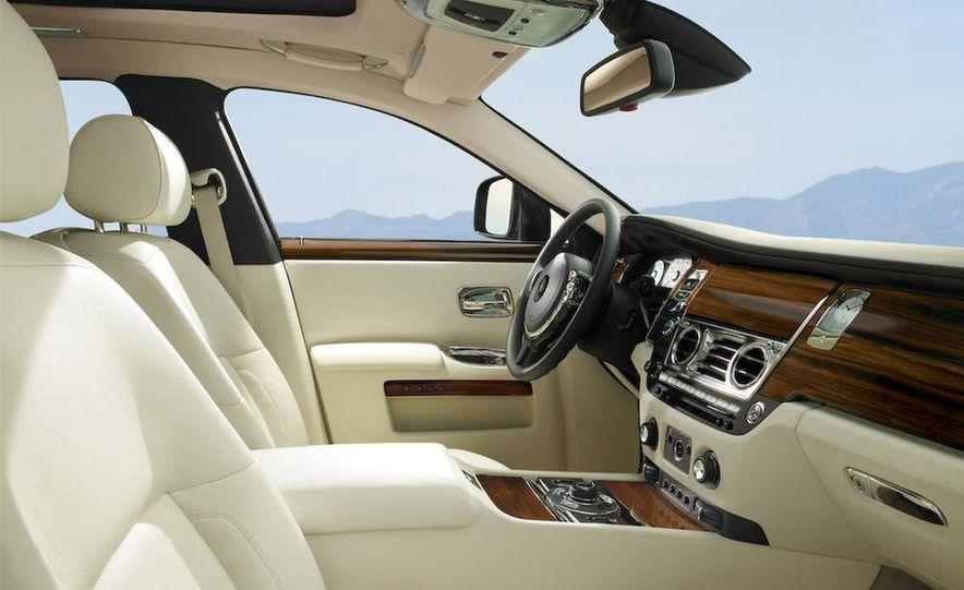 2011 Rolls-Royce Ghost - Slide 24