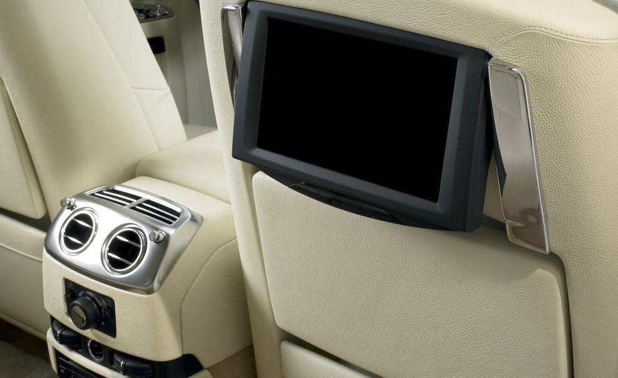 2011 Rolls-Royce Ghost - Slide 33