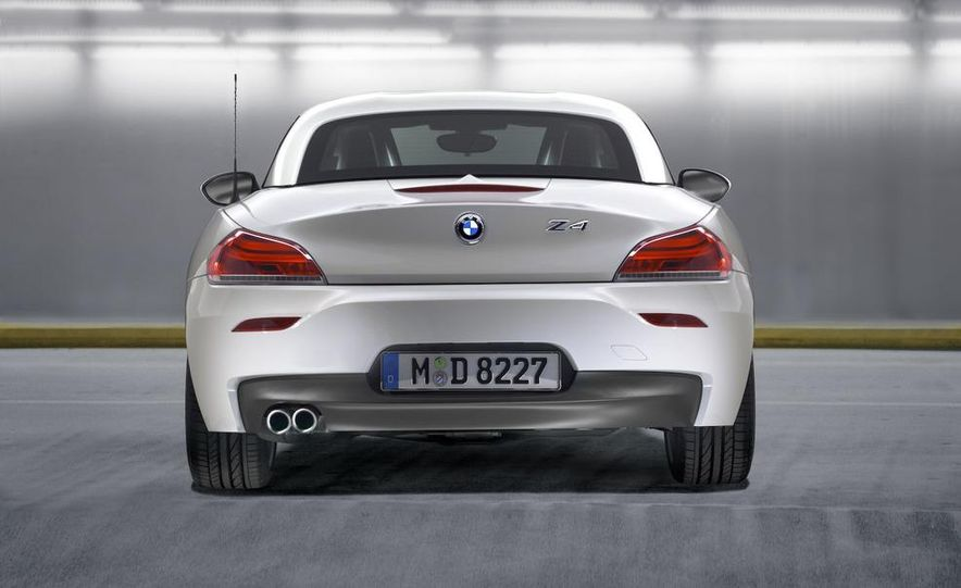 2011 BMW Z4 sDrive35is - Slide 39