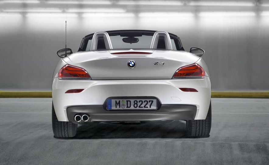 2011 BMW Z4 sDrive35is - Slide 40
