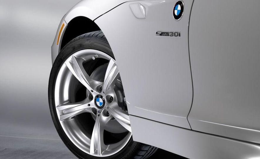 2011 BMW Z4 sDrive35is - Slide 43