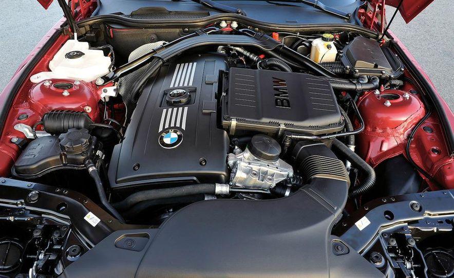 2011 BMW Z4 sDrive35is - Slide 33