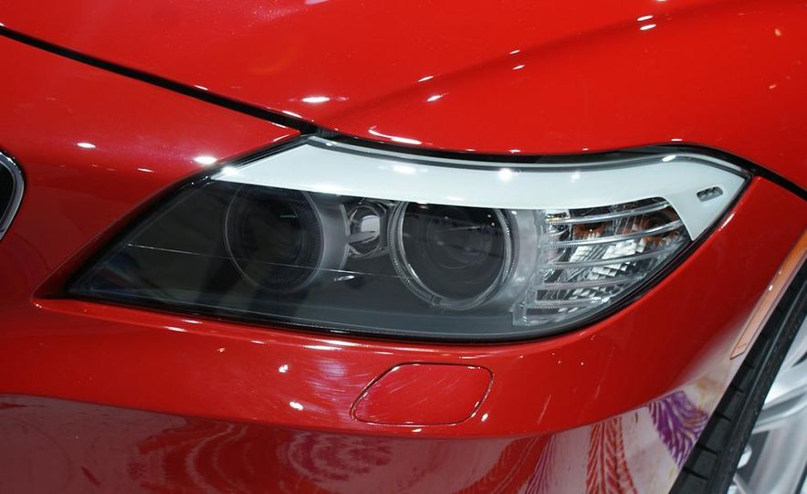 2011 BMW Z4 sDrive35is - Slide 10