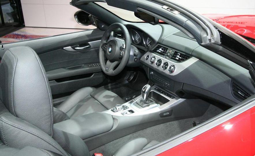 2011 BMW Z4 sDrive35is - Slide 12