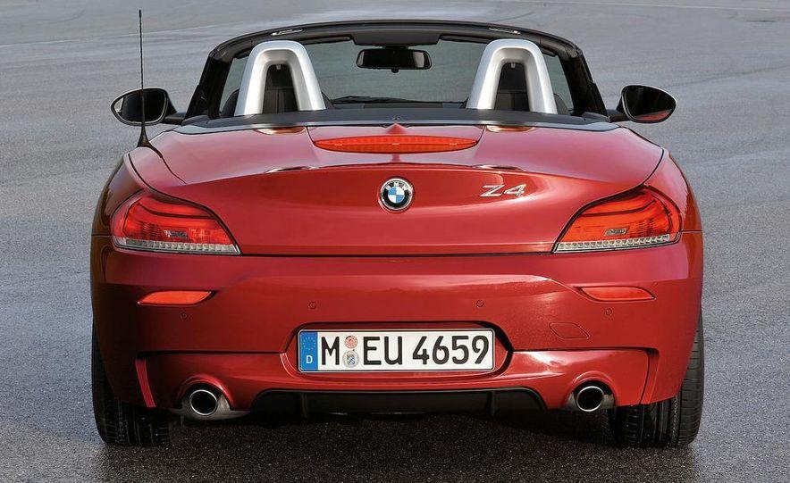 2011 BMW Z4 sDrive35is - Slide 24