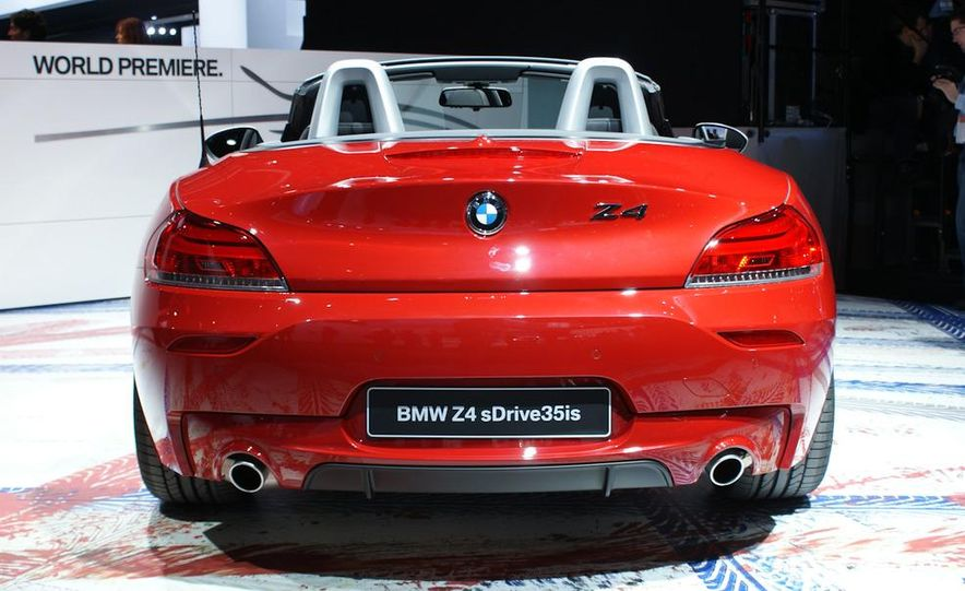 2011 BMW Z4 sDrive35is - Slide 9