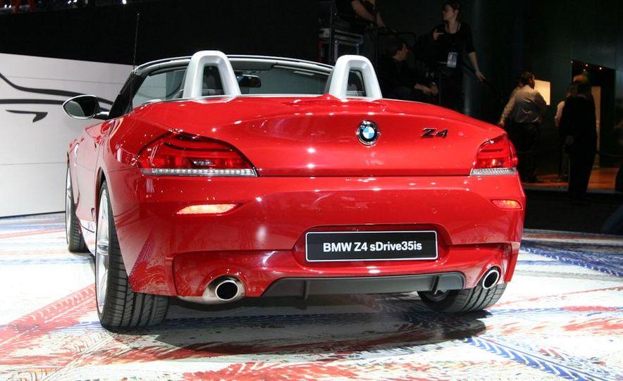 2011 BMW Z4 sDrive35is - Slide 4