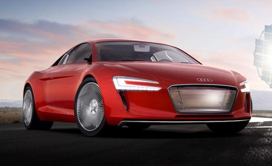 Jens Meiners in the Audi E-Tron concept interior - Slide 17