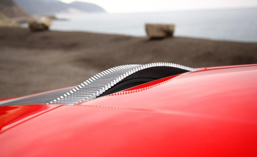 Jens Meiners in the Audi E-Tron concept interior - Slide 24