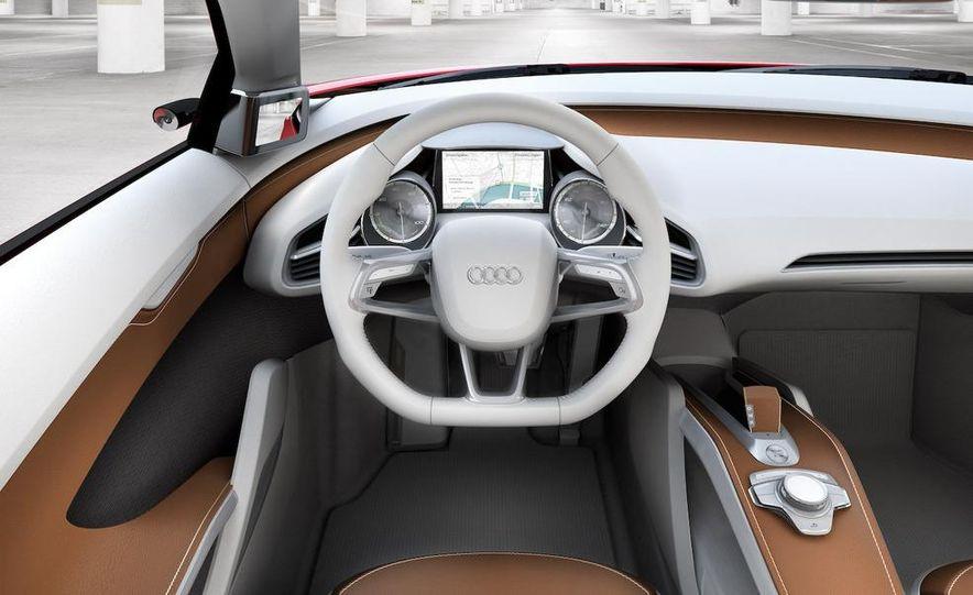 Jens Meiners in the Audi E-Tron concept interior - Slide 19