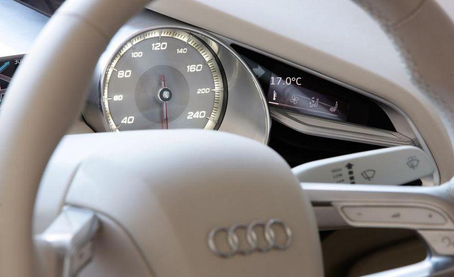 Jens Meiners in the Audi E-Tron concept interior - Slide 22