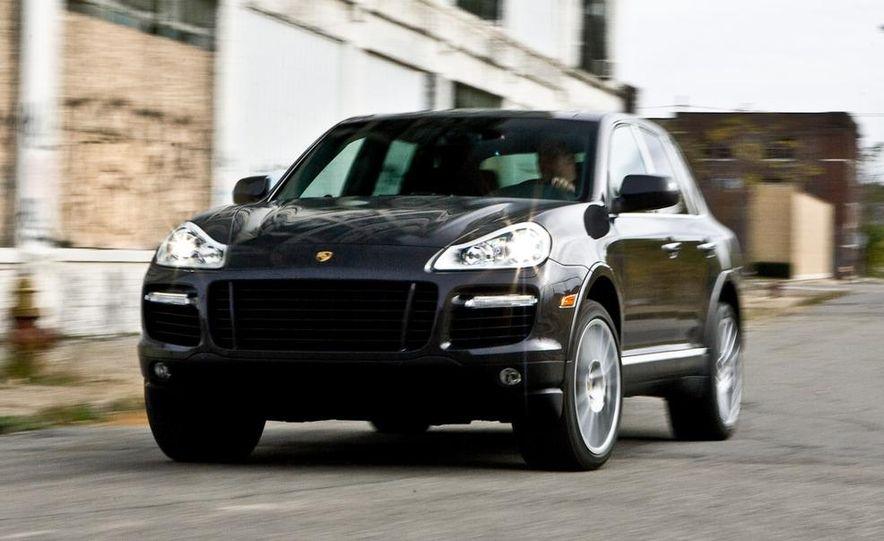 2010 BMW X5 M, 2009 Porsche Cayenne Turbo S, 2010 Jeep Grand Cherokee SRT8, and Land Rover Ranger Rover Sport Supercharged - Slide 36