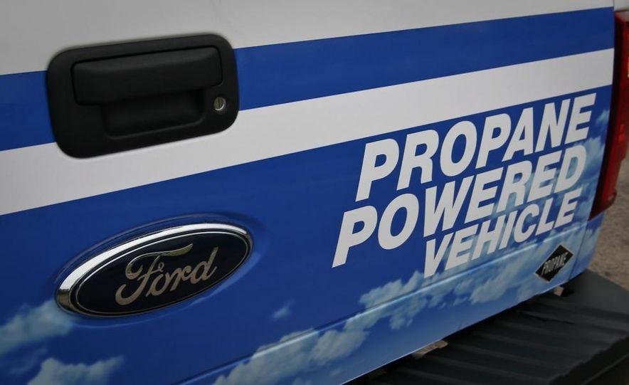 2009 Roush Ford F-250 Super Duty Propane - Slide 18