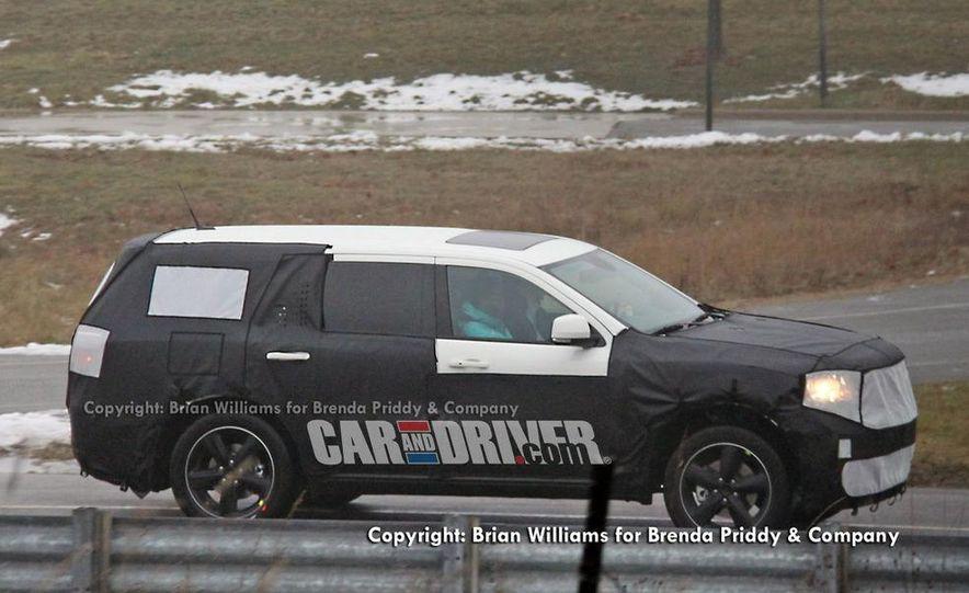2012 Dodge Durango (spy photo) - Slide 1