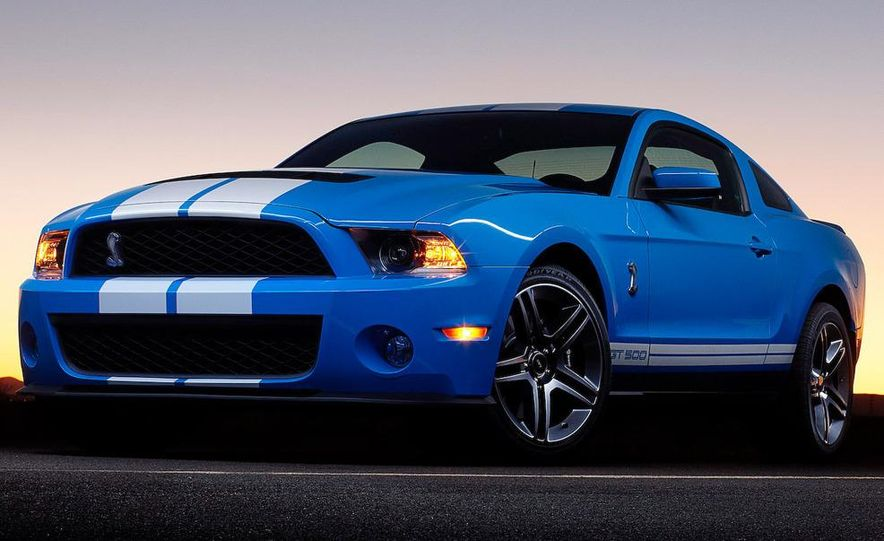 2010 Ford Mustang Shelby GT500 coupe - Slide 9