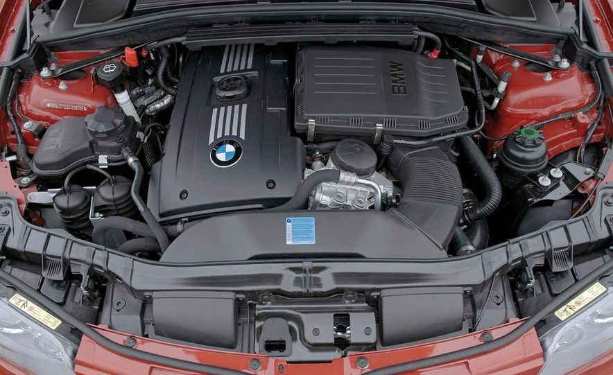 BMW 3.0-liter twin-turbocharged inline-6 engine - Slide 4