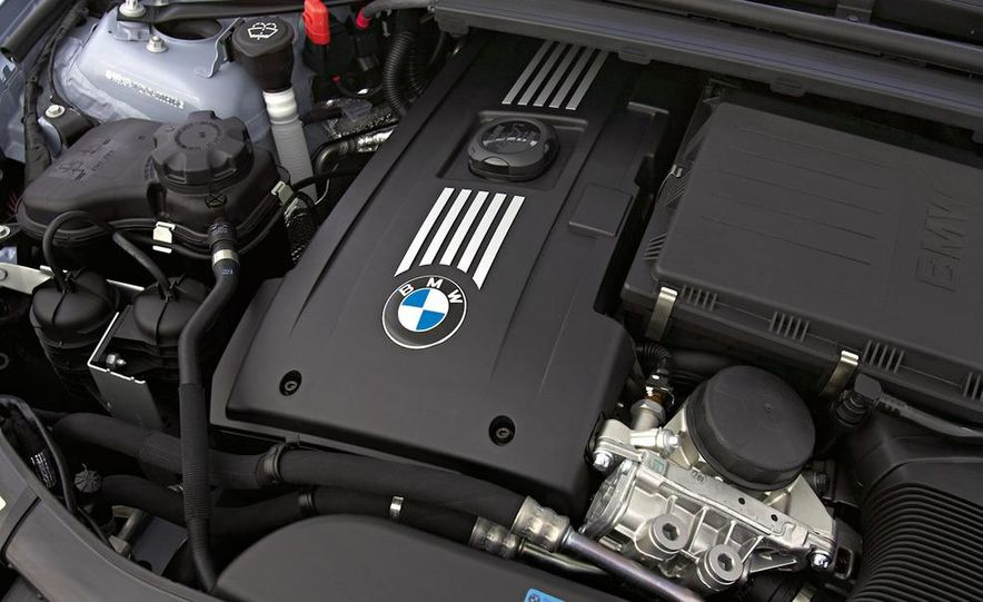 BMW 3.0-liter twin-turbocharged inline-6 engine - Slide 7