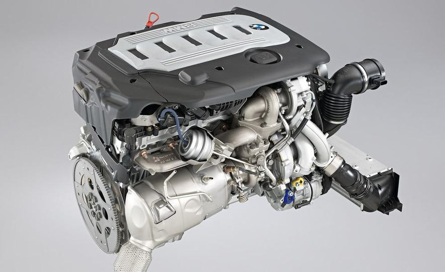 BMW 3.0-liter twin-turbocharged inline-6 engine - Slide 2
