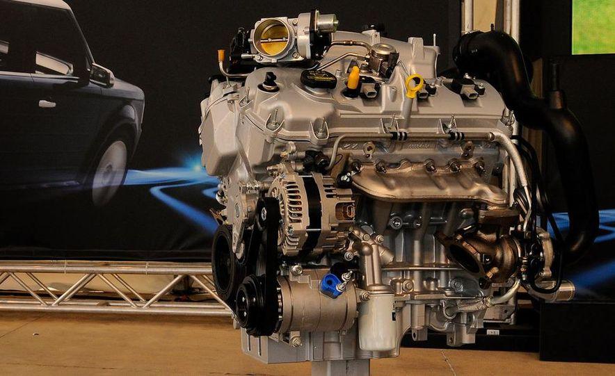 BMW 3.0-liter twin-turbocharged inline-6 engine - Slide 21