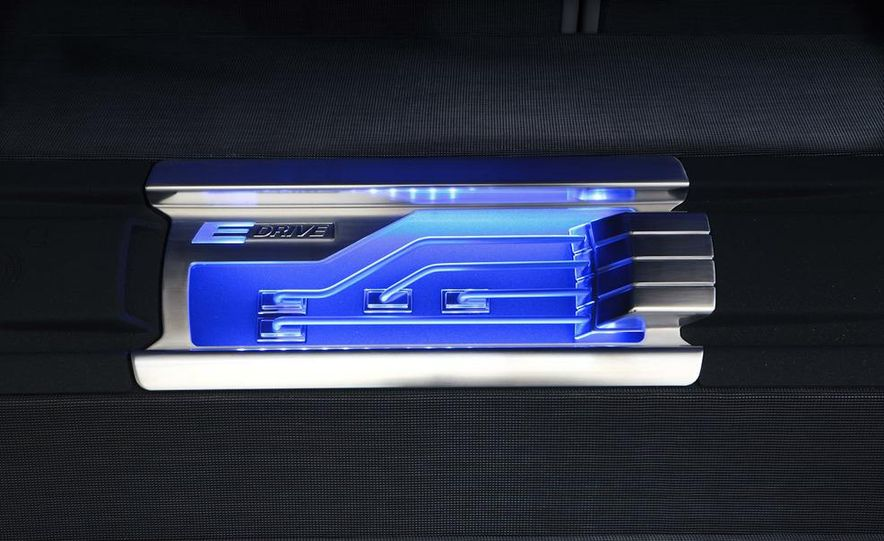 BMW Concept ActiveE - Slide 17