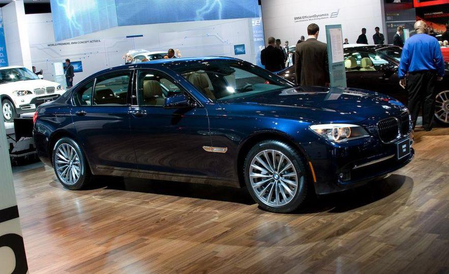 2011 BMW 740i - Slide 1