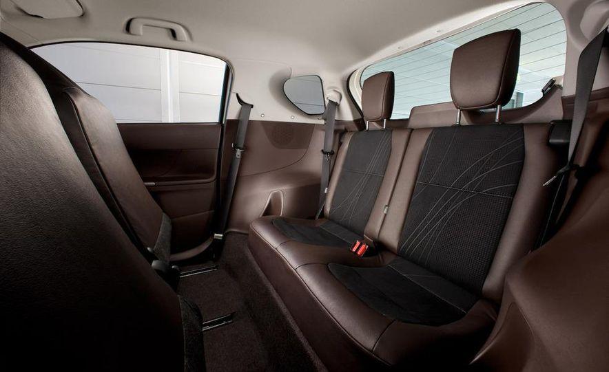 2011 Aston Martin Cygnet - Slide 30